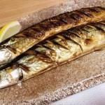 秋に美味しい秋刀魚を美味しくグリルで焼く方法。まずは秋刀魚の選び方から。