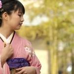 卒業式の衣装は袴と振袖のどちらが人気?それぞれのメリットは?